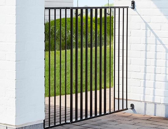 Савик Перегородка-калитка Dog Barrier Gate Outdoor, 84-154 см, высота 95 см, черная, Savic