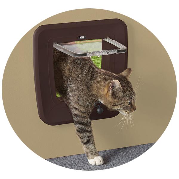 Савик Дверца Magnetic для кошек и небольших собак 28,5*29,5 см с магнитным брелком, в ассортименте, Savic