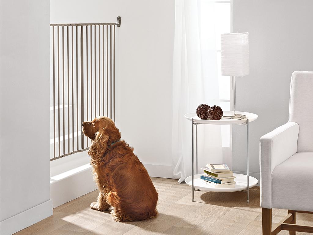 Савик Перегородка-калитка Dog Barrier Gate Outdoor, 62-102 см, высота 75 см, бежево-серая, Savic