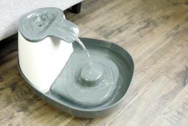 СуперДизайн Питьевой фонтан ML990530 для кошек и собак, объем 1,5 л, SuperDesign