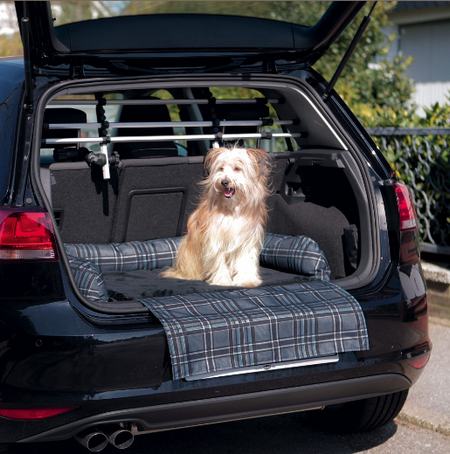 Трикси Подстилка-лежак в багажник с защитой бампера, 80*60 см, серый/черный, Trixie