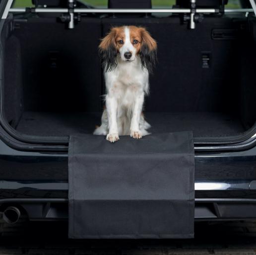 Трикси Защитная накидка на бампер, 50*60 см, черный, Trixie