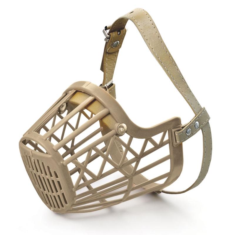 Триол Намордник пластиковый с кожаным ремешком для собак, в ассортименте, бежевый, Triol