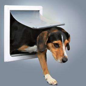 Трикси Дверца для собак и кошек, размер S-M, 2 функции, 22,5*29,5 см, пластик, белый, Trixie