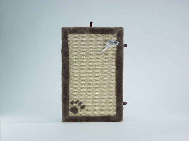 Когтеточка-коврик с мышкой, 55*35 см, бежевый/коричневый, I.P.T.S.